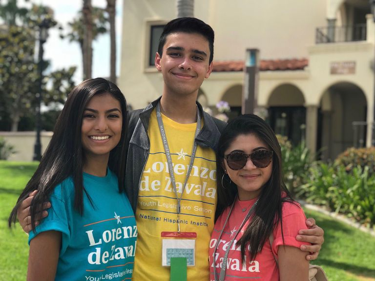 Juniors Participate in Lorenzo de Zavala Youth Legislative Program at the University of San Diego